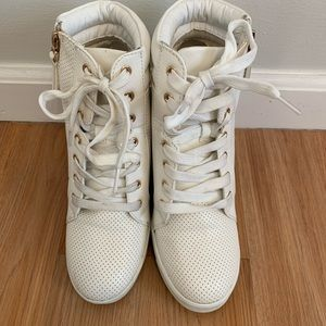 Shoe dazzle white wedge sneakers